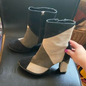 Shoes - Suede booties
